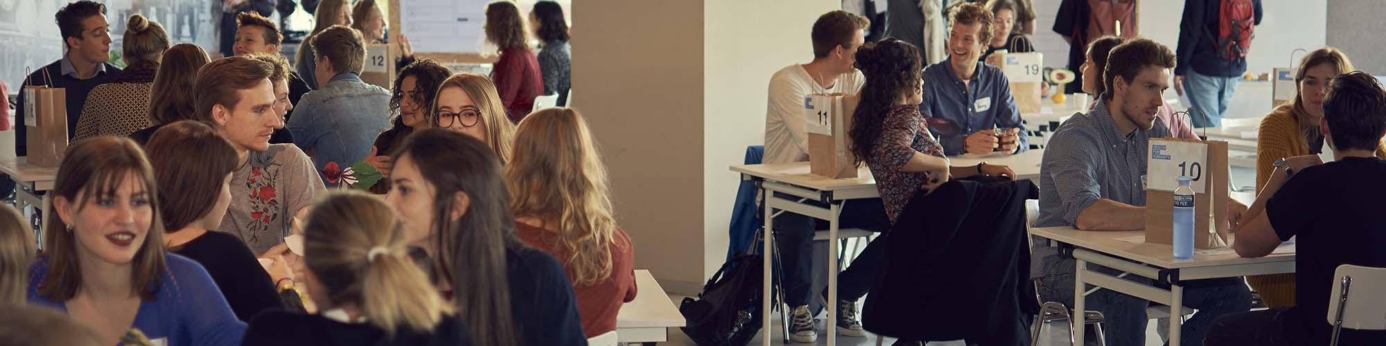 Design for Humanity zet zich in voor maatschappelijke vraagstukken door middel van creatieve hackathons